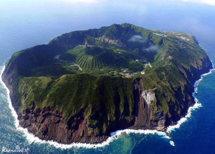 آگوشیما جزیره ی آتشفشانی در ژاپن