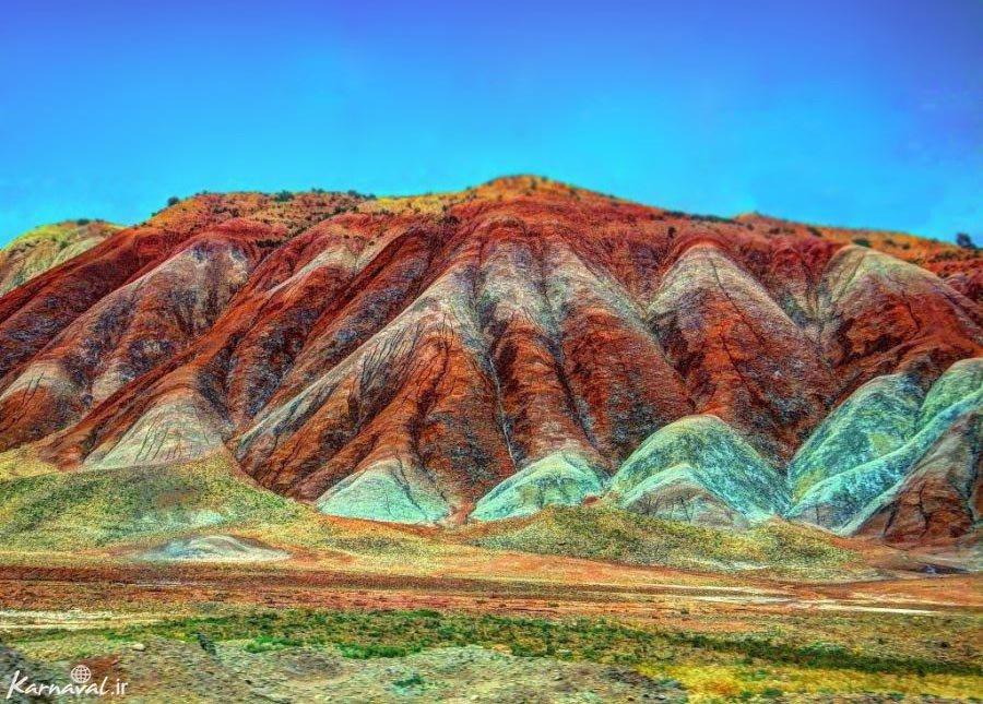 کوه های رنگین کمانی آلاداغ لار