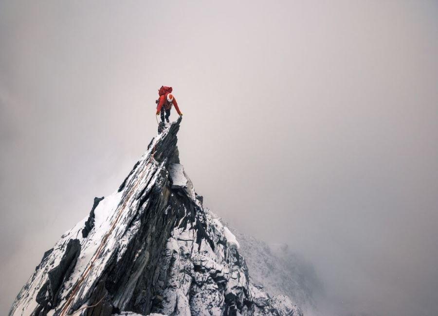 در رأس قله