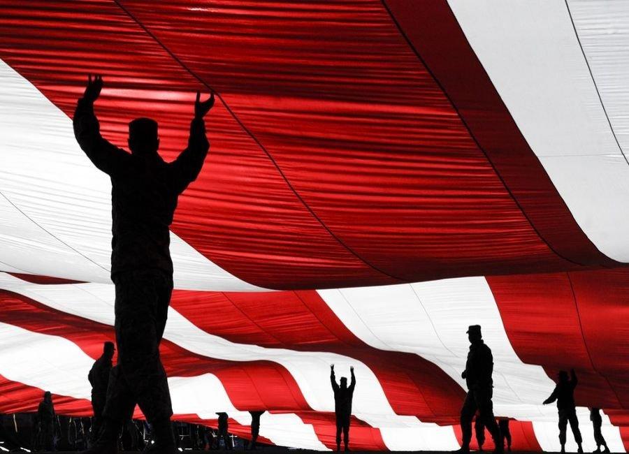 پرچم را نگه دار