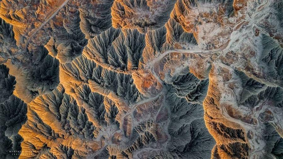 کوه های مریخی از بالا