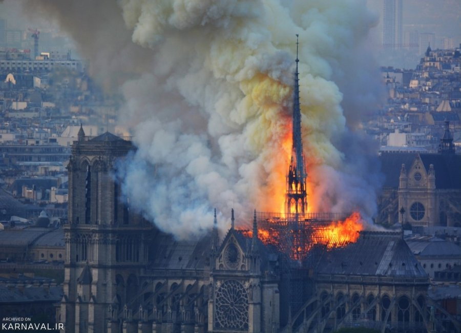 کلیسای جامع نوتردام در آتش سوخت