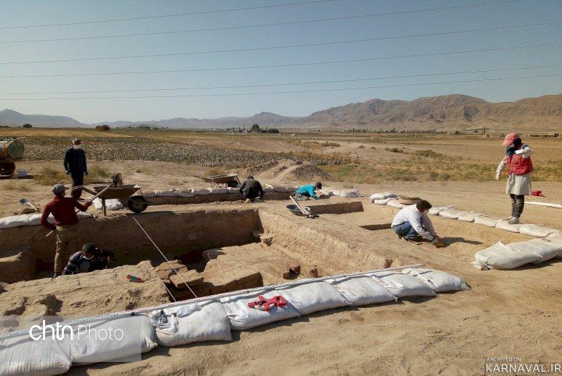 کشف کتیبه ساسانی در محوطه تاریخی ریوی
